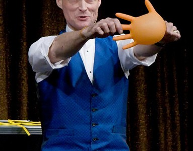 Not all clowns wear make-up: Comedian, 'balloon freak' John Cassidy comes to Wilkes