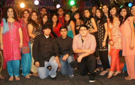 Hindu students celebrate Indian New Year with fashion, food