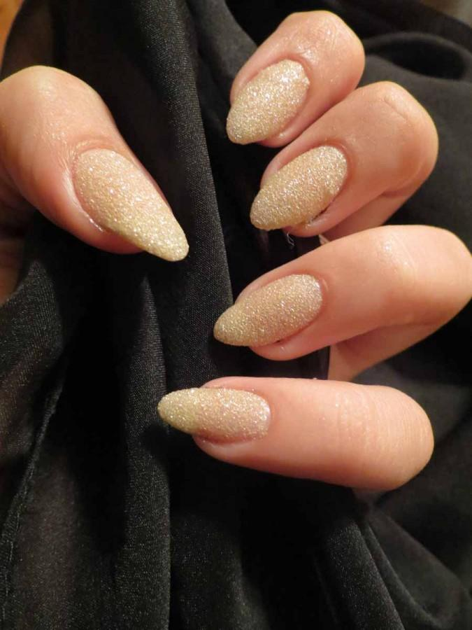 Trend alert: stiletto nails claw their way to top