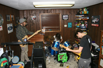 Punk's a threat -- Wilkes-Barre trio fight dying scene