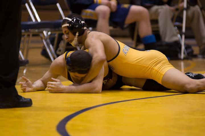The+Wilkes+University+wrestling+team+won+the+800th+match+in+the+program%E2%80%99s+history+Feb.+14+against+Ithaca.+Here%2C+sophomore+Guesseppe+Rea+pins+his+opponent.