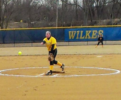 Megan Kisela tosses a change up to retire the side in the second inning in a game against New Paltz.