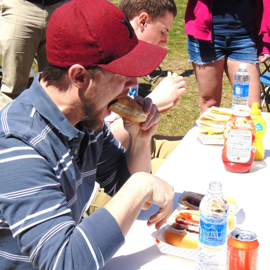 Eating hot dogs to support the Student Veterans Council