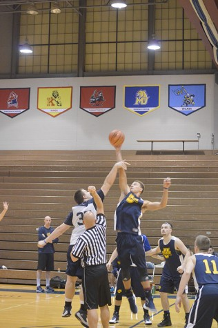 he Wilkes Men's Basketball team tipped off the start of their season with a scrimmage this past Wednesday.