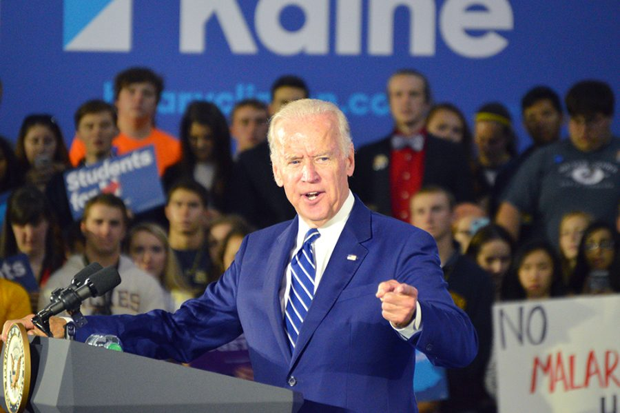 Wilkes-Barre+audience+cheers+for+%22Uncle+Joe%22%3A+Joe+Biden+visits+Wilkes+University+on+Clinton+campaign+stop