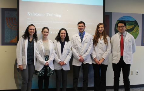 Pharmacy students combat opioid epidemic, offer training