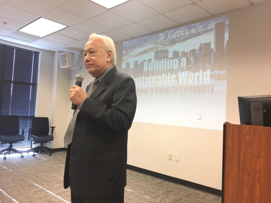 Dr. Donlad Lee spoke on solutions to problems plaguing humanity, such as deforestation and plastic pollution.