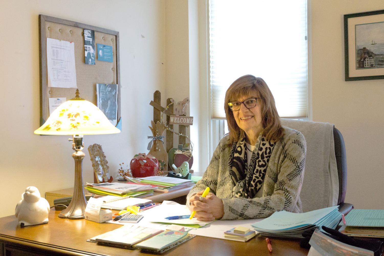 Dr. Julie Lartz
