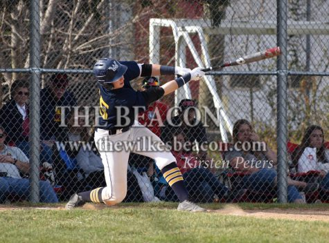 BASE: Reno's bat helps salvage game two in rivalry weekend
