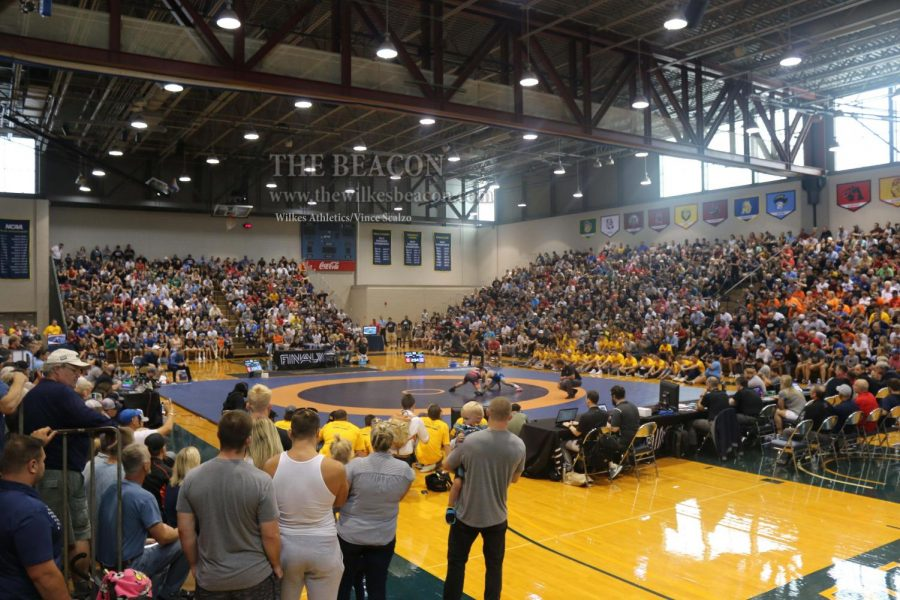 On Labor Day, aproximately 2,300 spectators packed the stands of the Marts Center for the Final X rematch between Yianni Diakomihalis and Zain Retherford.