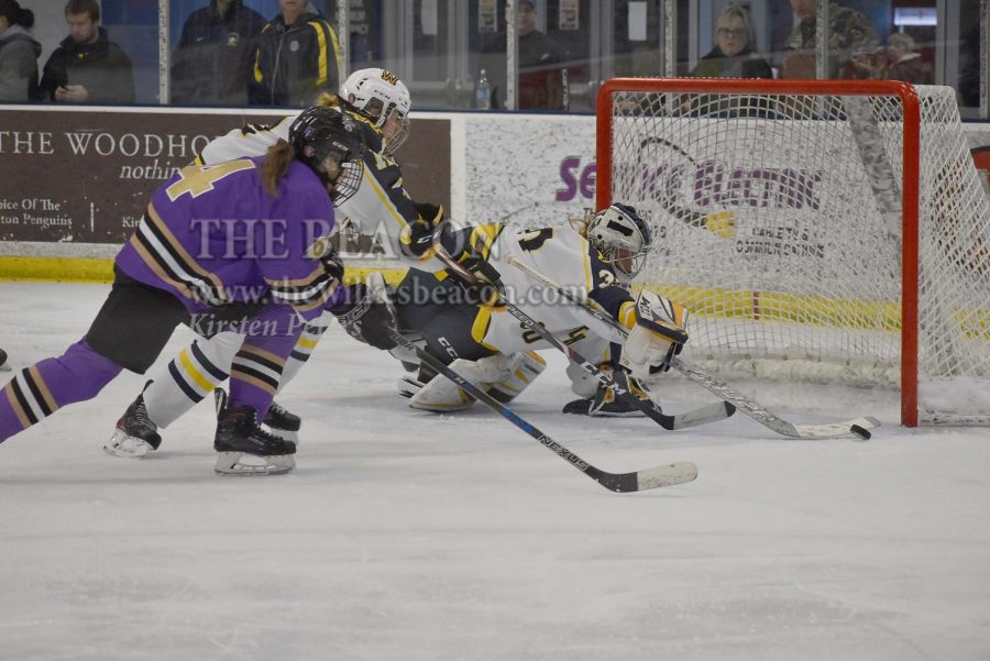 Sophomore+goaltender+Allyson+Joly+ties+her+season-high+with+44+saves+against+Nazareth+College+on+Friday+night.