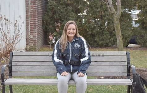 Female Athlete of the Week: Ally Joly, sophomore ice hockey player