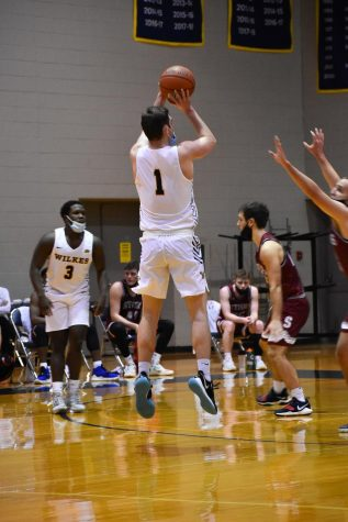 Junior guard Sean Coller hit a three-pointer late in the second half to give the Colonels a two-point lead.