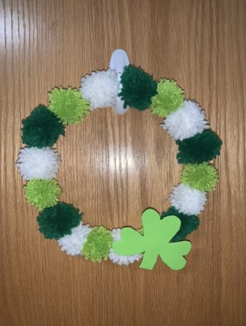 6) Hot glue the shamrock onto the wreath and enjoy!
